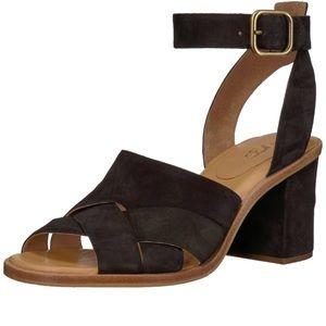 Ugg Womens Black sandal block heels size 6